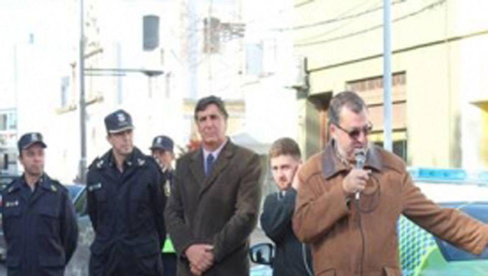 El intendente Conochiari realizó una nueva entrega de móviles a la Policía.