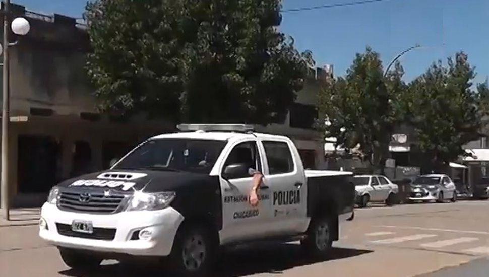Un mayor y dos menores demorados por dañar autos en Chacabuco