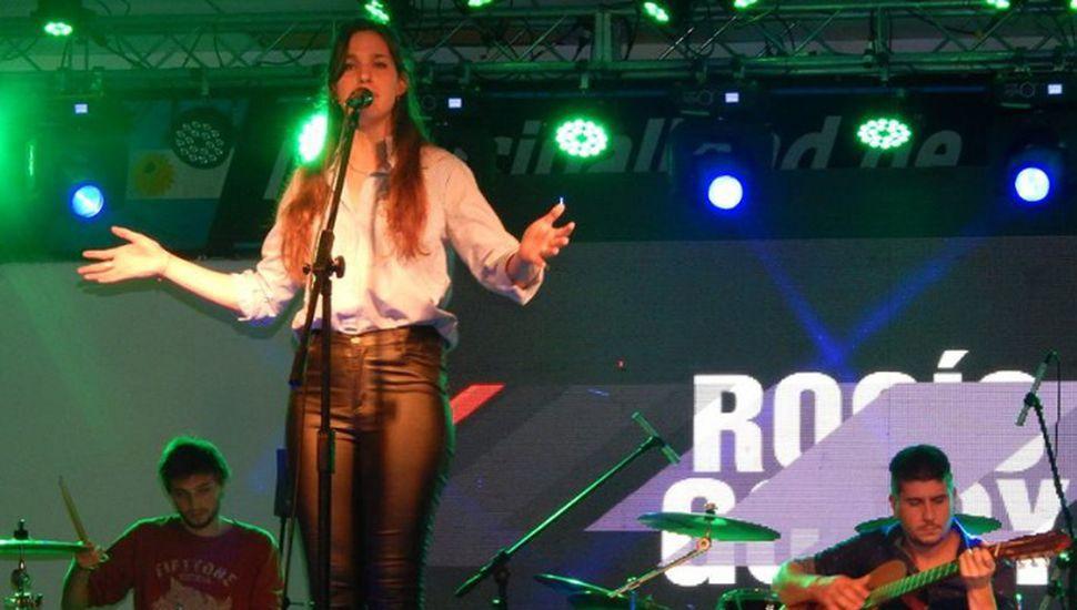 Rocío Godoy, cantante folclórica originaria de La Angelita.