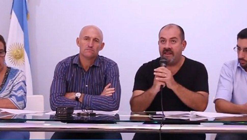 Marisa Fauez, Bruno Fiorini, Hernán Valetti y Emilio Pittorino (derecha) en la conferencia de prensa que brindaron.