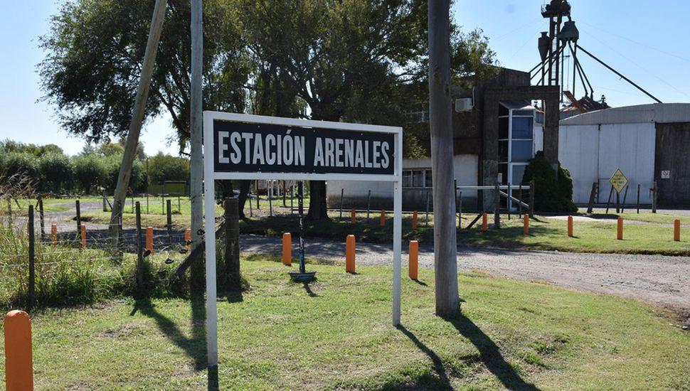 Acceso al barrio Estación Arenales.