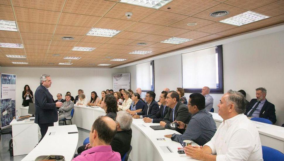 Alberto Fernández se reunió con dirigentes políticos y empresarios españoles y portugueses.
