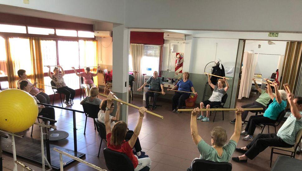 Actualmente, más de setenta adultos mayores y más de veinte menores asisten al lugar