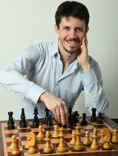 Diego Flores se coronó ayer heptacampeón argentino de ajedrez.