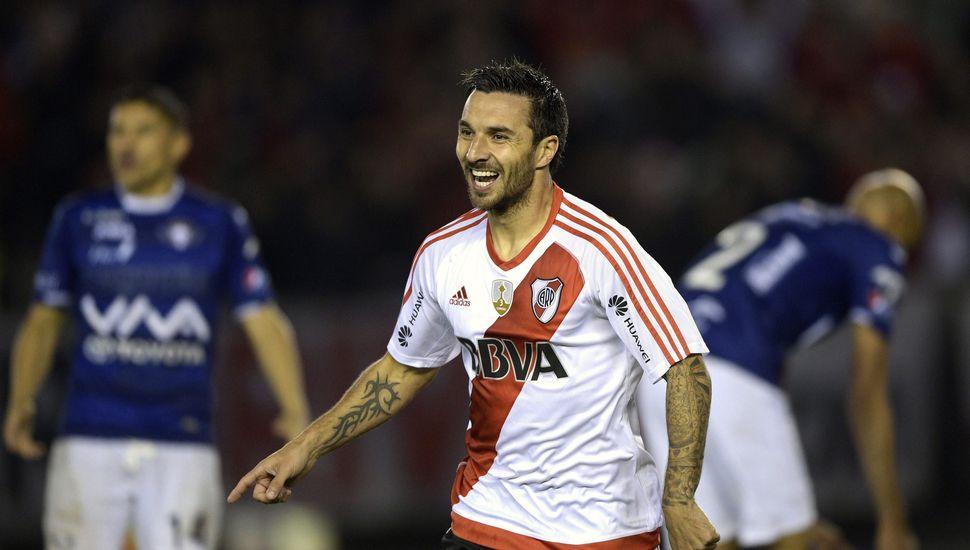 Scocco, el primero en marcar cinco goles en un partido de cuartos de Libertadores
