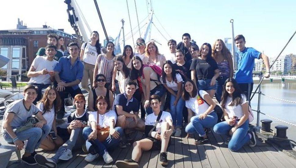 Estudiantes linqueños visitaron la Ciudad Autónoma de Buenos Aires