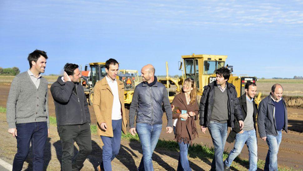 El ministro de Transporte de la Nación, Guillermo Dietrich, visitó el obrador de la autopista en la Ruta 7.