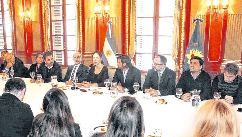 Vidal, ayer, durante el encuentro con legisladores provinciales en la Gobernación.