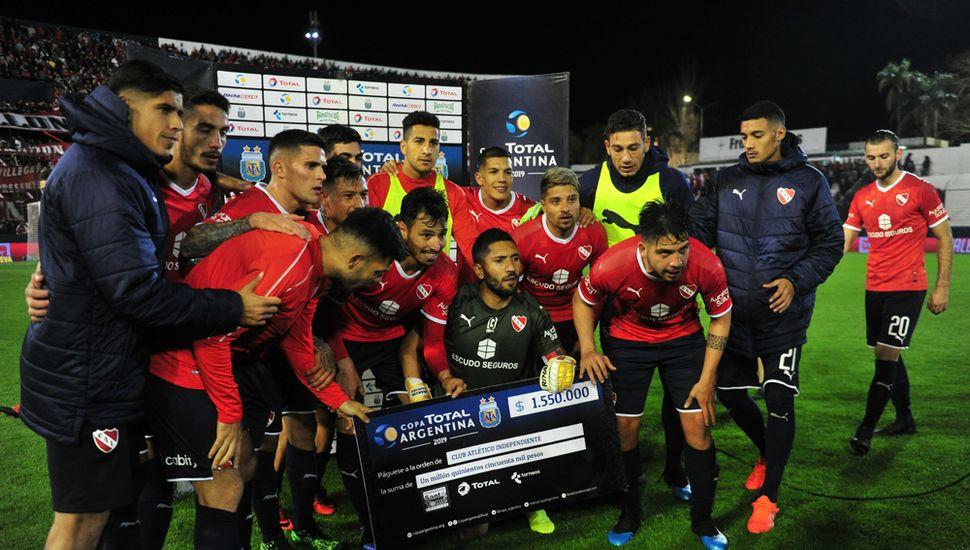 El Rojo se quedó con el cheque y el pasaporte a los cuartos de final.