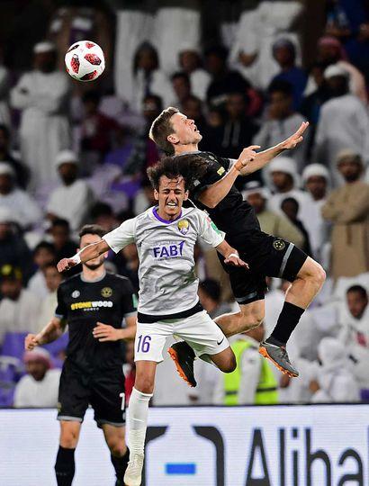 Ayer, Al Ain emiratí se impuso 4 a 3 por penales al Wellington neozelandés, tras empatar 3 a 3 en los 90 minutos.