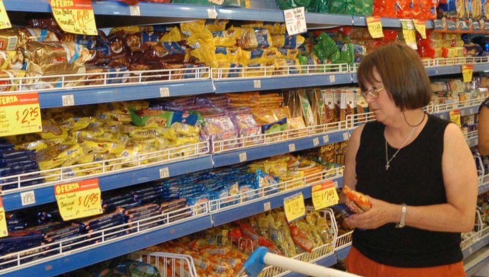 La suba de precios incide con más fuerza en los alimentos de la canasta básica.