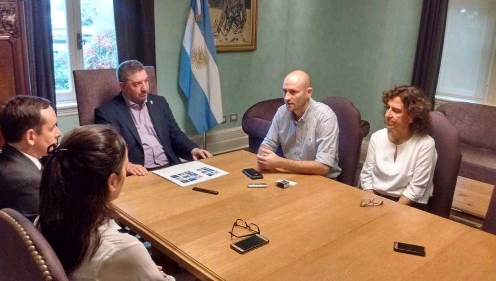 Autoridades de la Unnoba y del municipio de Alberti firmaron un convenio marco de colaboración.