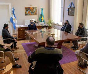 La reunión se llevó a cabo en el despacho del Intendente.
