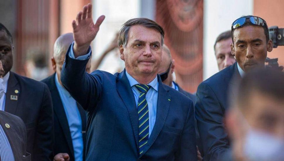 Bolsonaro ha tratado de priorizar la economía de Brasil por sobre la salud de la población.