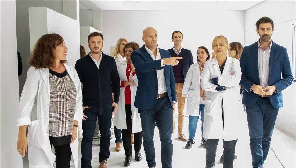Petrecca y el ministro de Salud bonaerense recorrieron las obras en el Hospital Interzonal