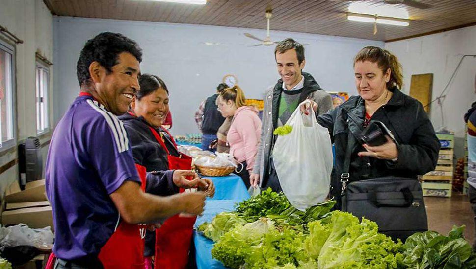 La iniciativa municipal apunta a llegar a los vecinos con el beneficio de precios especiales en alimentos indispensables de la canasta alimentaria.