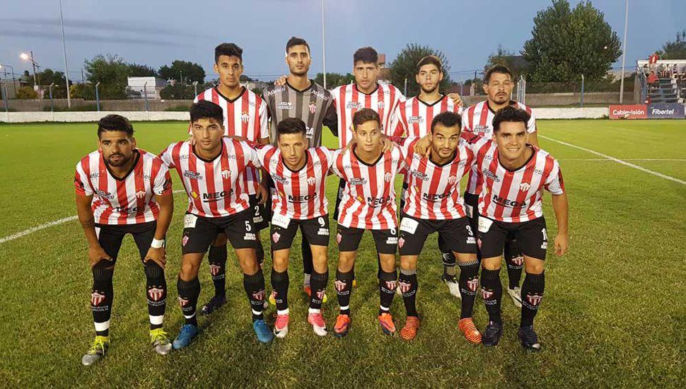 El equipo de Rivadavia de Lincoln.