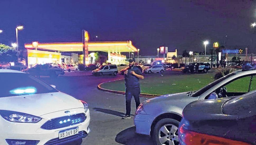 El tiroteo se desató en la estación de servicio Shell ubicada en Acceso Sudeste y Madariaga.