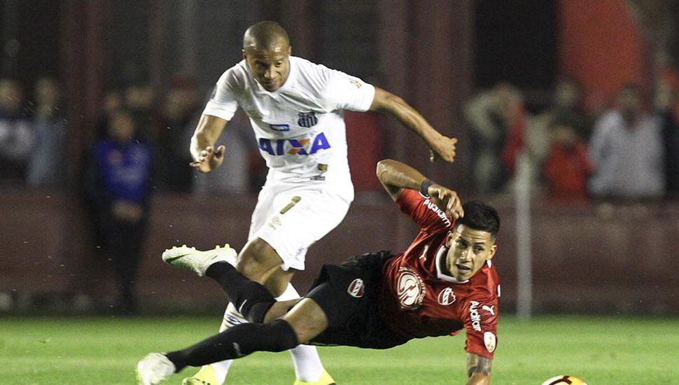 Independiente igualó en cero con el Santos por la ida de los octavos de final