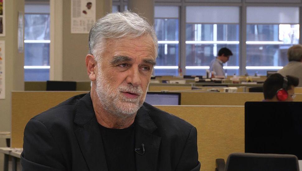 Luis Moreno Ocampo rebatió el criterio de considerar crímenes de lesa humanidad sólo a los actos inhumanos contra la población civil cometidos con participación del Estado.