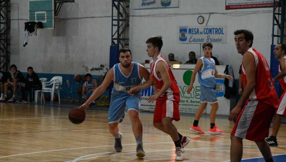 El Vasco Arrascaete ante Tomás Palomero.
