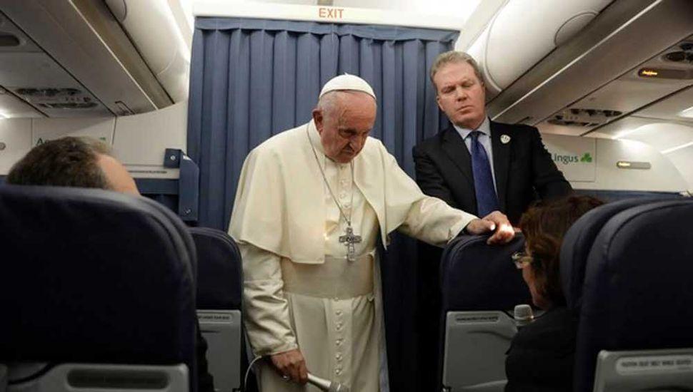 Fuertes críticas al Papa por sus dichos sobre la homosexualidad