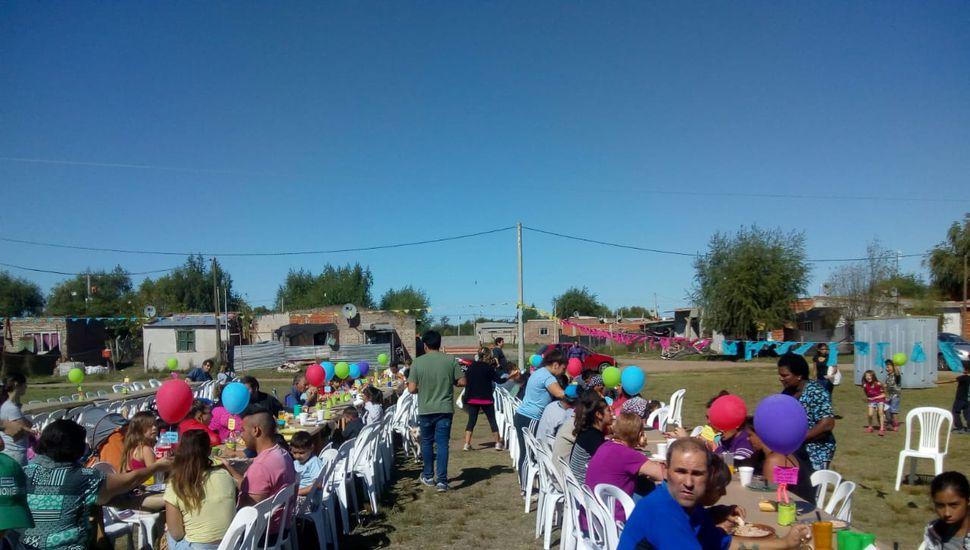 Red Solidaria organizó un almuerzo para 130 personas en Chacabuco