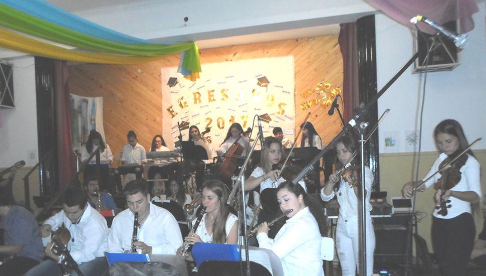 Orquesta de la Escuela Secundaria 18.