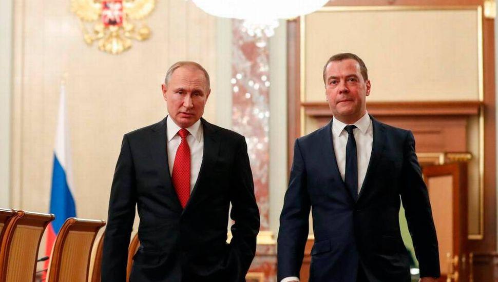 Putin cambia al primer ministro y prepara su sucesión