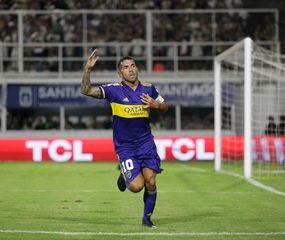 Carlos Tevez fue imparable en Santiago del Estero.