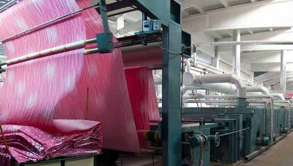 """Empresarios advierten que la industria textil """"está agonizando"""""""