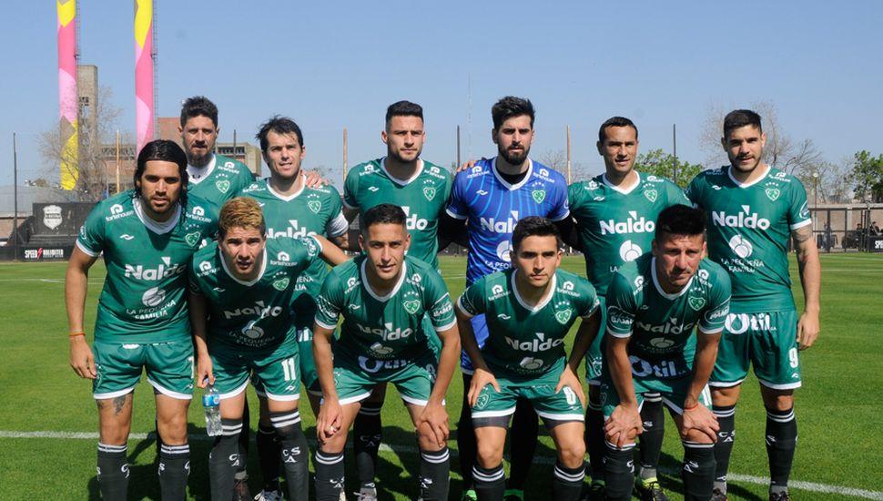 Titulares del Verde. Sarmiento logró un empate agónico en Riestra.