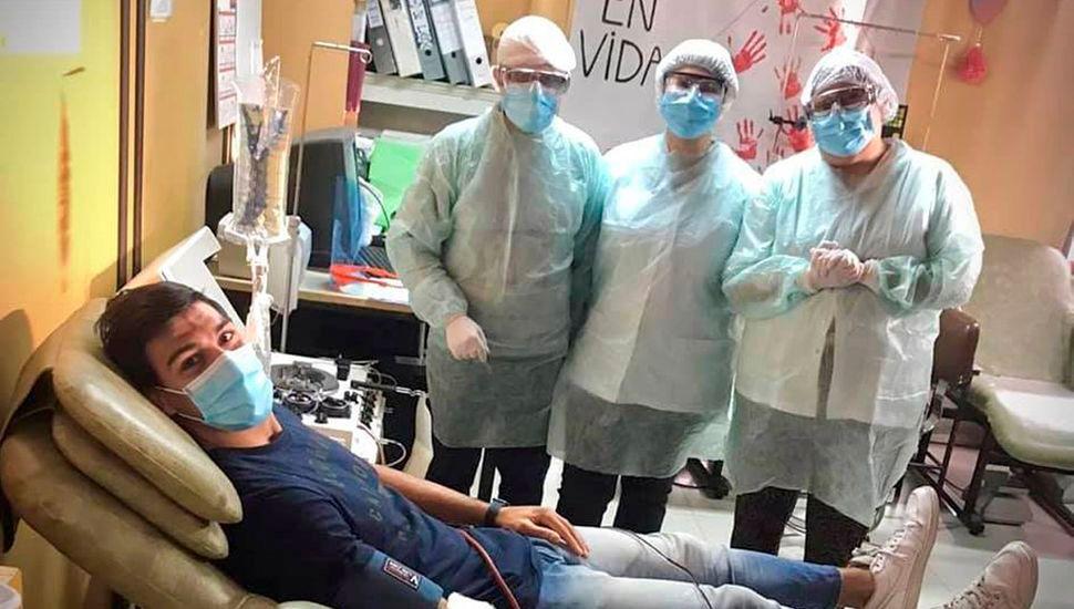 El juninense Corvalán donó plasma en un hospital de Bahía Blanca.