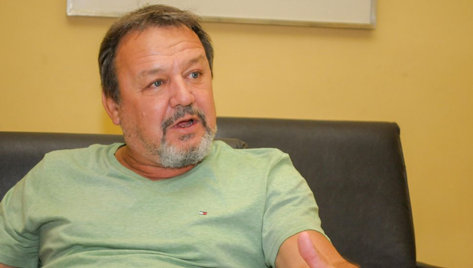 Roberto Costa, senador provincial por Juntos por el Cambio, visitó la redacción de Democracia.