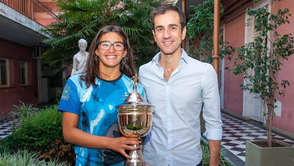 La nadadora Lucía Ferreri estuvo con el Intendente, tras ganar en Mar del Plata