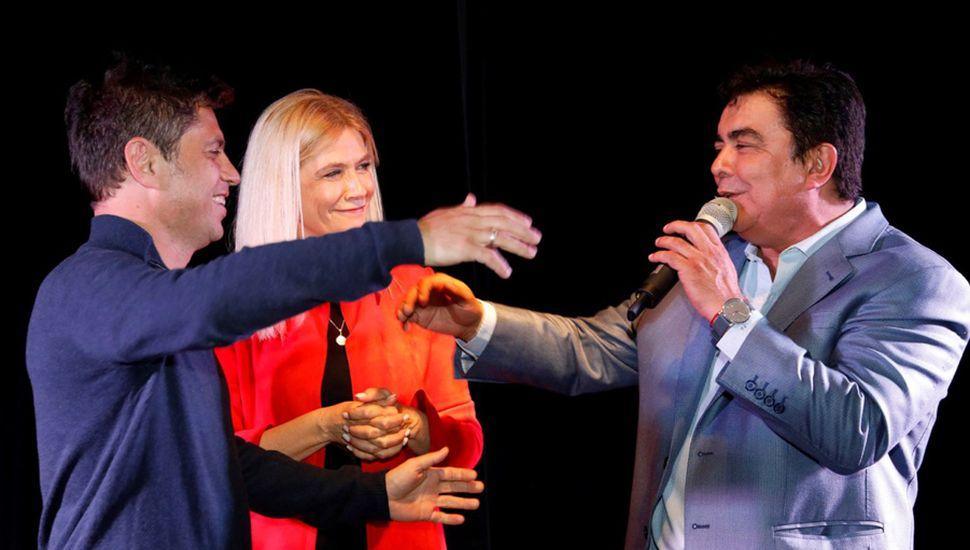 Axel Kicillof junto a Verónica Magario y Fernando Espinoza.