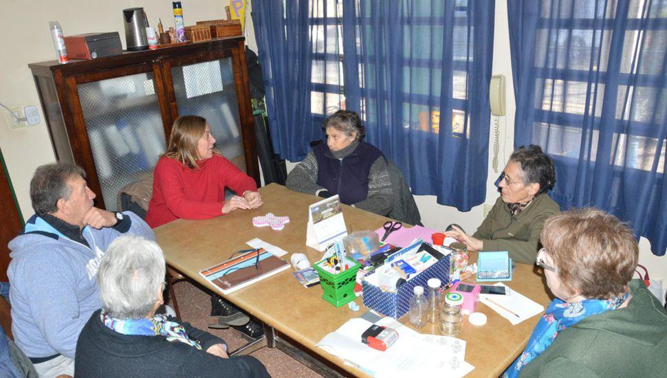 La diputada Valeria Arata visitó el Taller Protegido.