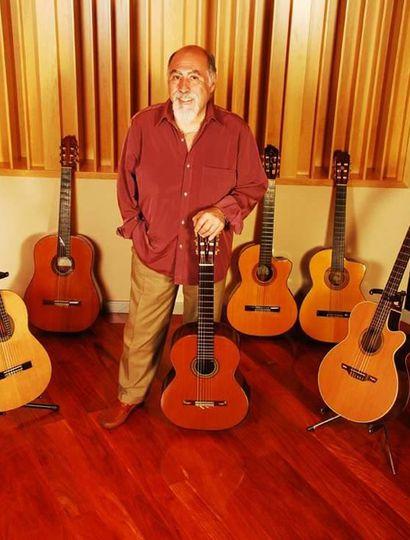 Juanjo Domínguez lleva más de 50 años tocando profesionalmente.