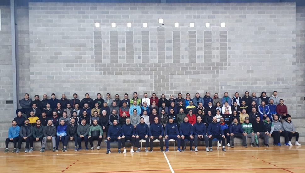 Los entrenadores que participaron del curso en San Miguel.