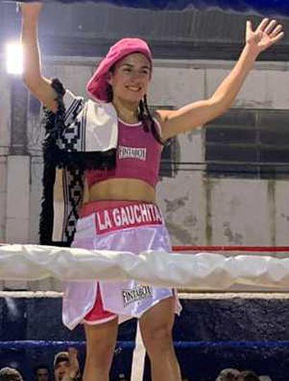 """Tatiana """"La Gauchita"""" Pacheco buscará pasado mañana en Florentino Ameghino su segundo triunfo como boxeadora profesional."""