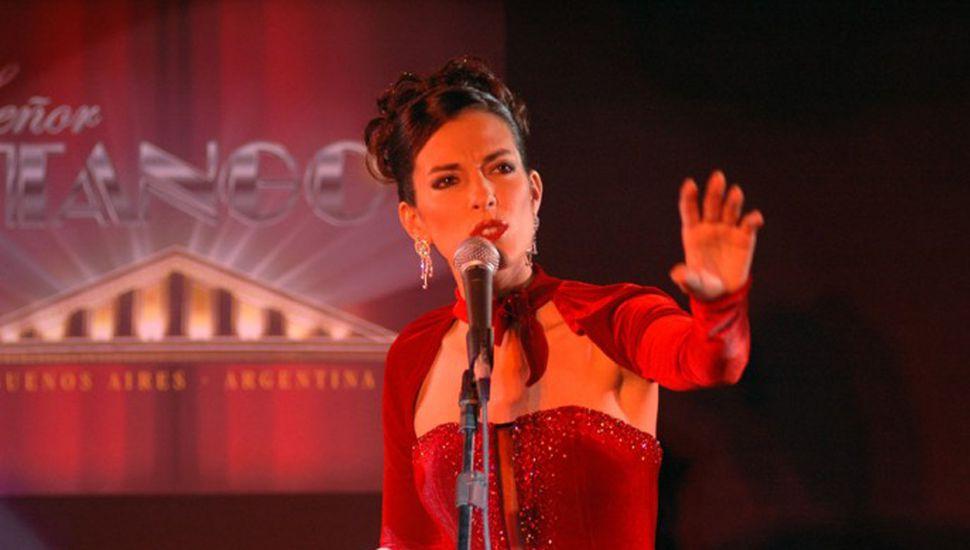 Aun siendo muy joven, Claudia Pannone es una cantautora muy reconocida en el circuito tanguero porteño.