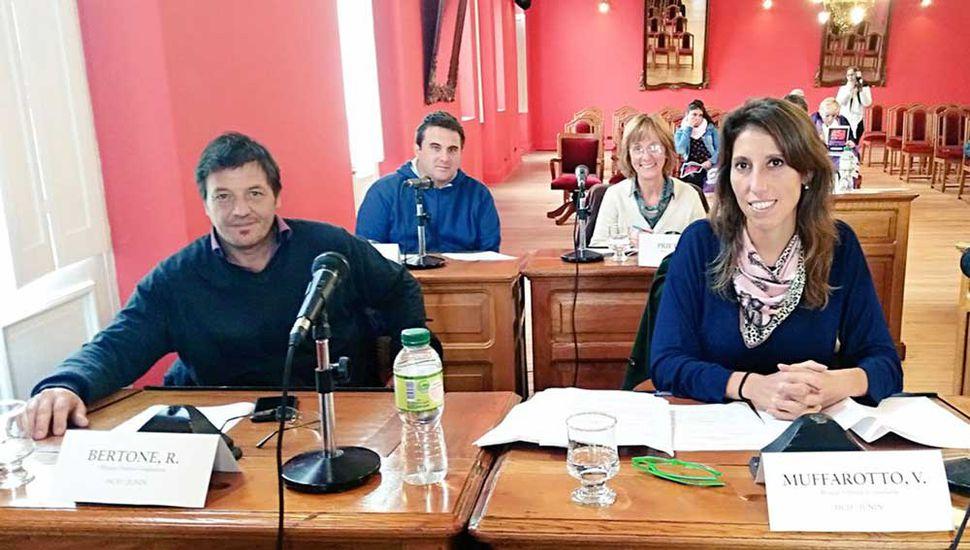 Concejales de Unidad Ciudadana, ayer, en la sesión.