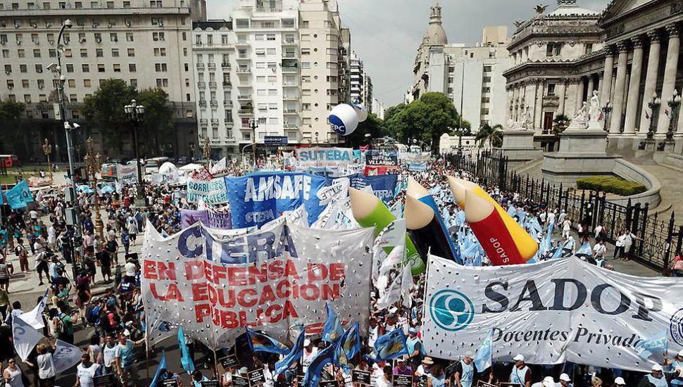 Paro de tres días y marcha a Capital de los docentes bonaerenses