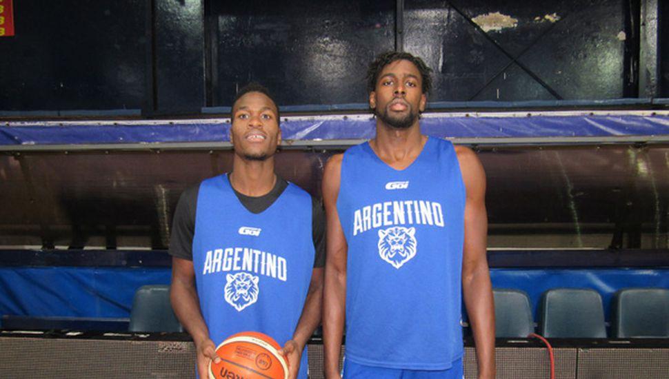 Malcom Bernard y Anthony Kent, en el entrenamiento de anoche en Las Morochas.
