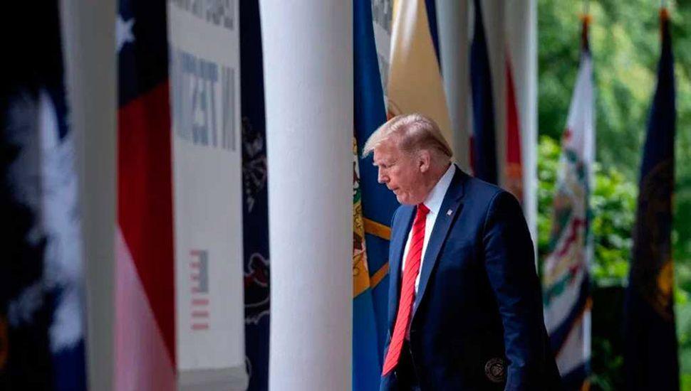 """Trump advierte que  EE. UU. podría """"cortar toda relación"""" con China"""