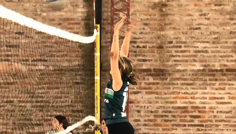 """El equipo del Club Junín (""""Tati"""") encabeza las posiciones del Maxi Vóleibol con buena ventaja, reuniendo 43 puntos."""