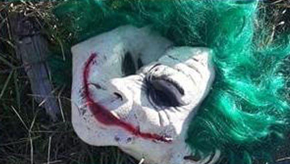 Máscara del Guasón secuestrada por la policía.