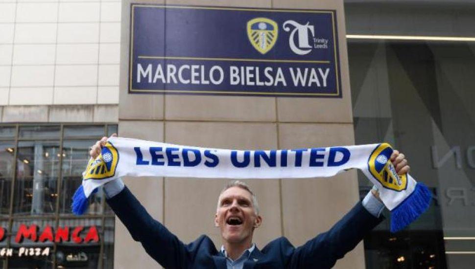 Inauguraron la calle que lleva el nombre de Marcelo Bielsa en Leeds