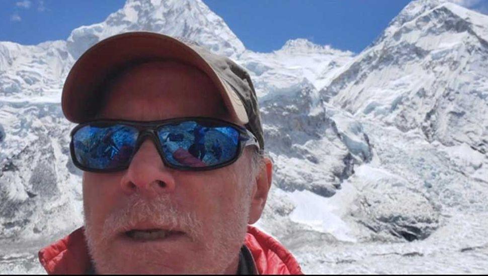 Un alpinista estadounidense murió al bajar del Everest