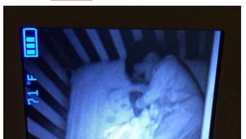 Creyó ver un fantasma en la cuna de su hijo pero se encontró con algo insólito